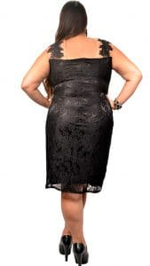 Vestido longo Plus Size em Renda Paetizada